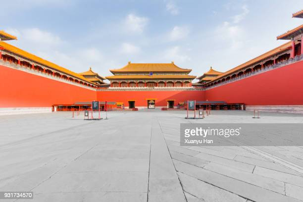 view of the meridian gate, the entrance of forbidden city. - beijing stock pictures, royalty-free photos & images