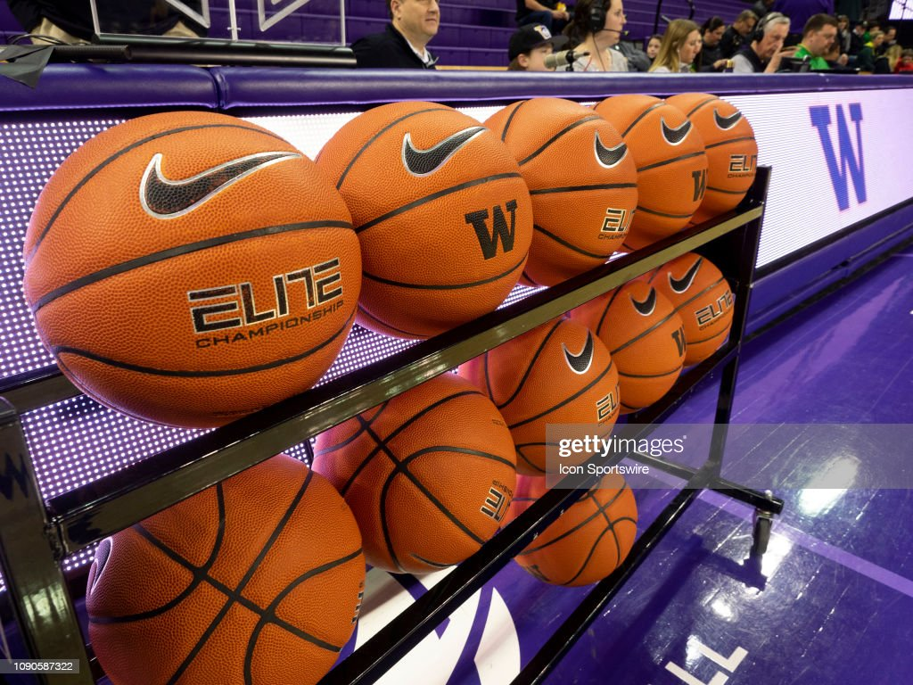 67b1044f628 A view of the Nike Elite Championship basketball before a college ...