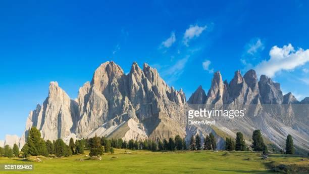 Blick auf die Geisler Berggruppe, XXL Panorama, Dolomiten, Italien