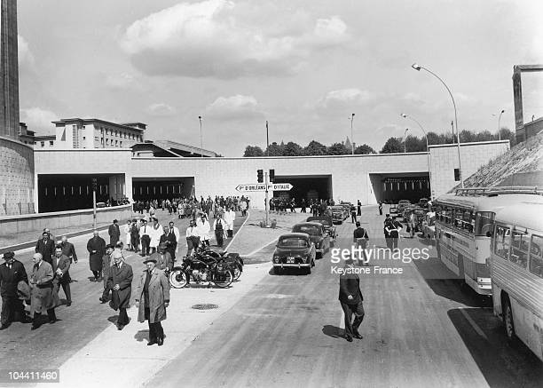 View of the official procession using the new Southern freeway going towards Orleans for the inauguration of the first part the Southern freeway and...