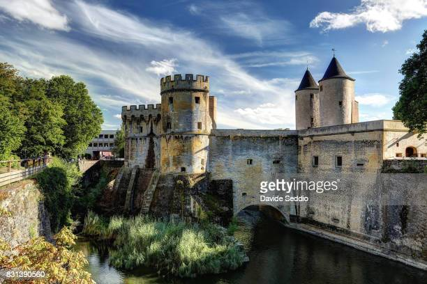 view of the old city gate 'the germans gate' (porte des allemands) - moselle france stock pictures, royalty-free photos & images