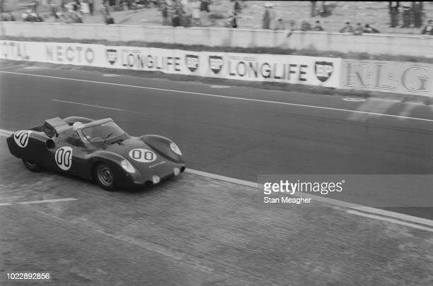 View of the Owen Racing Organisation Rover BRM Turbine racing car driven by Graham Hill and Richie Ginther pictured competing in the 1963 24 Hours of...