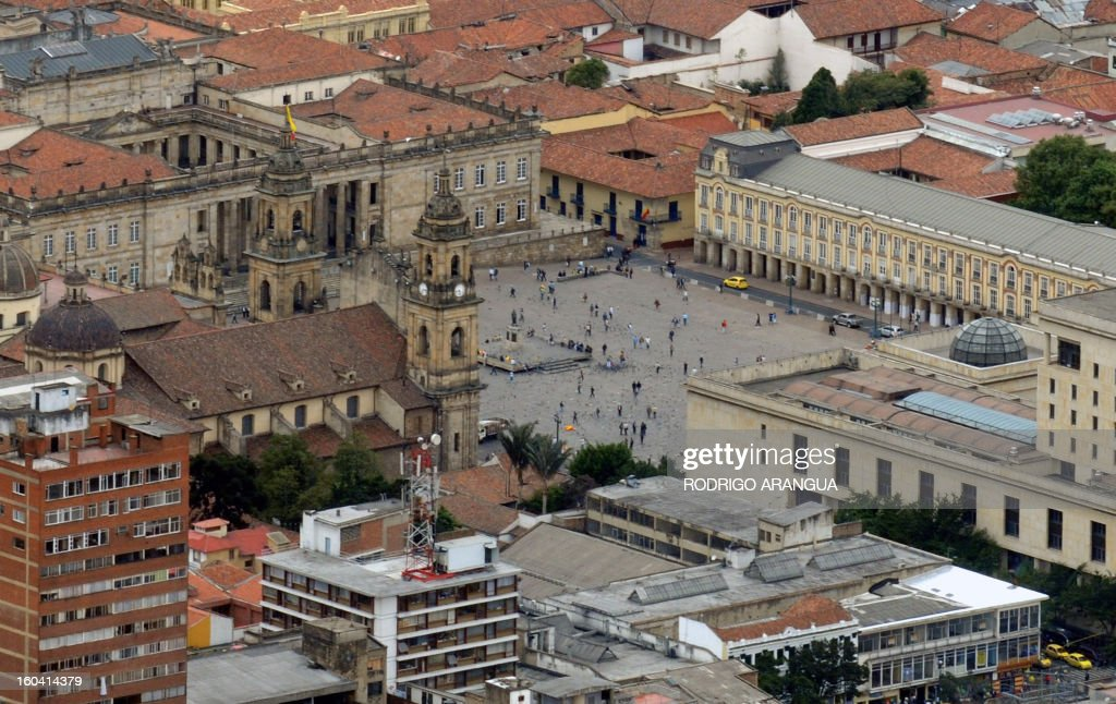 View of the Plaza de Bolivar in Bogota on February 9, 2010. AFP PHOTO/Rodrigo ARANGUA /