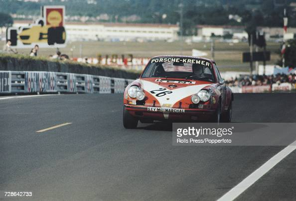 view of the porsche 911s porsche 2 4l flat 6 racing car driven by news photo getty images. Black Bedroom Furniture Sets. Home Design Ideas
