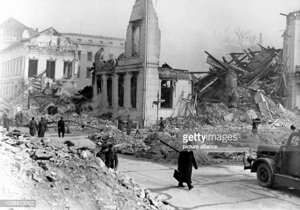 View of the ruined Propaganda Ministry on Wilhelmplatz square after an air raid in Berlin March 1945 Photo Berliner Verlag / Archive