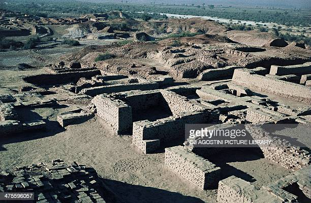 View of the ruins of the ancient city urban structure with streets at right angles Mohenjodaro Sindh Pakistan Indus Valley civilisation 2600 BC