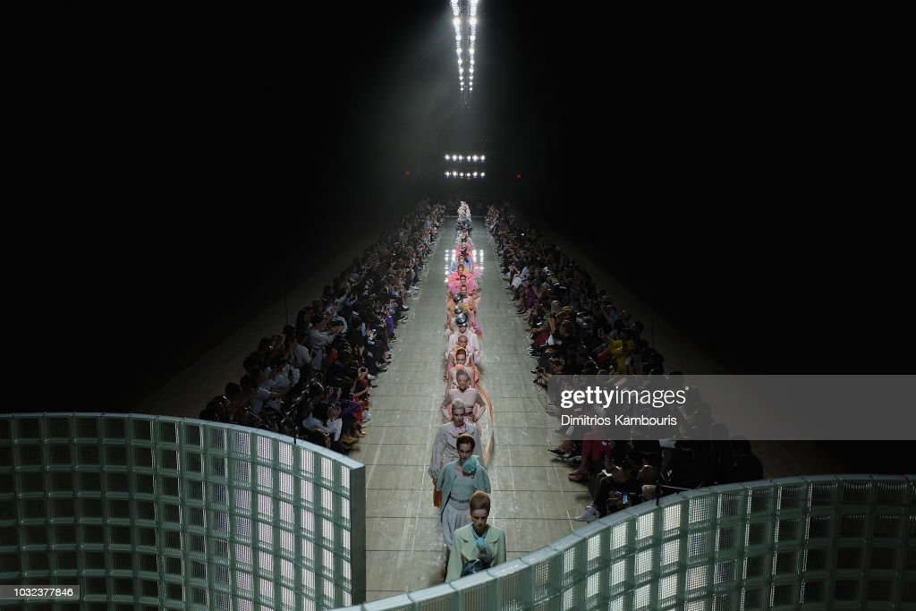Marc Jacobs Spring 2019 Runway - Front Row : ニュース写真