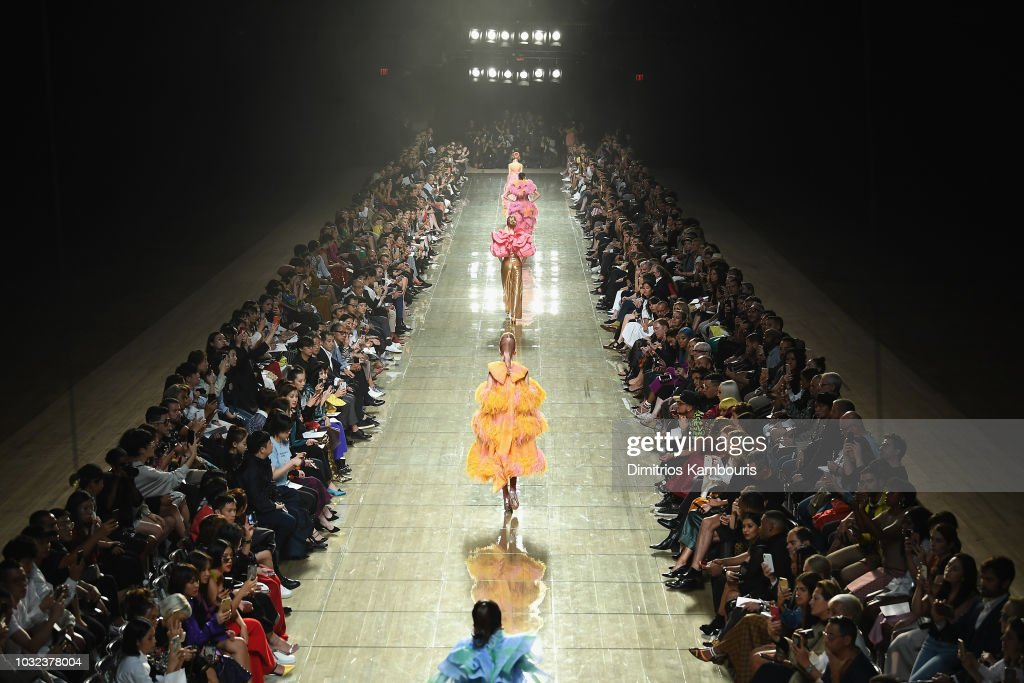 Marc Jacobs Spring 2019 Runway - Front Row : News Photo