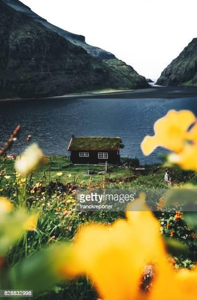 vista da paisagem saksun no faroe - ilhas faeroe - fotografias e filmes do acervo