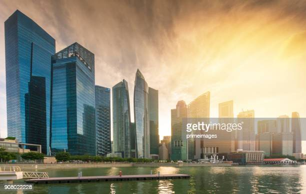 view of the skyline of singapore downtown cbd - marina bay sands skypark stock pictures, royalty-free photos & images