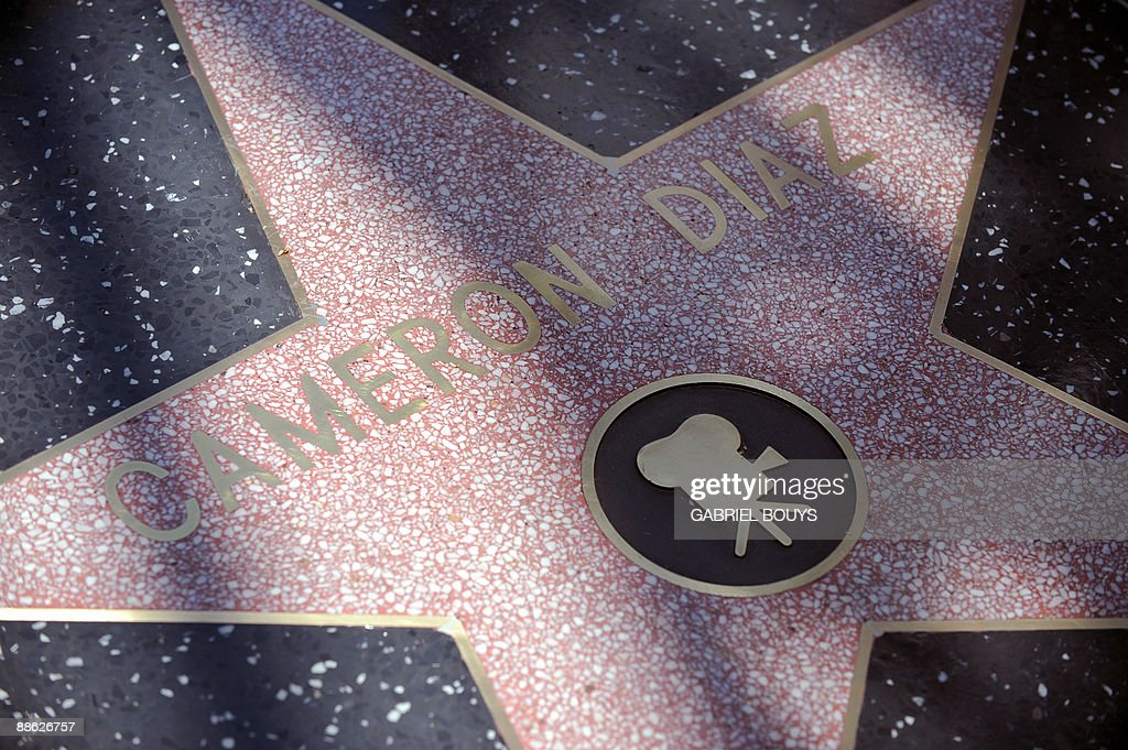 View of the star of actress Cameron Diaz on the Walk of Fame on June 22, 2009 on Hollywood Boulevard in front of the Egyptian Theater in Hollywood, California. AFP PHOTO/Gabriel BOUYS