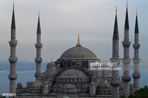 View of the Sultanahmet Camii also known as the Blue Mosque 15971616 built by Sedefkar Mehmed Aga commissioned by Ahmet I Istanbul Turkey 16th17th...