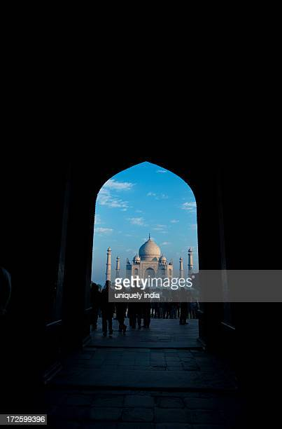 view of the taj mahal through archway, agra, uttar pradesh, india - interior of taj mahal stock pictures, royalty-free photos & images