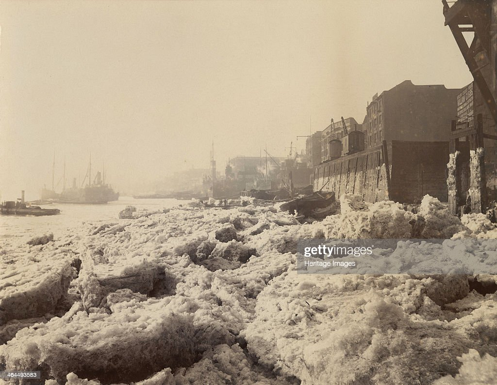 View of the Thames above Limehouse, London, during the frost of February 1895. : News Photo