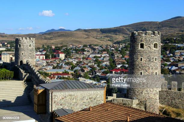 view of the town of akhaltsikhe from rabati castle - frans sellies stockfoto's en -beelden