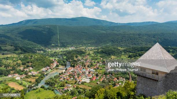 view of the una river and kulen vakupf village from ostrovica fortress, una national park, bosnia and herzegovina - balkans stock pictures, royalty-free photos & images