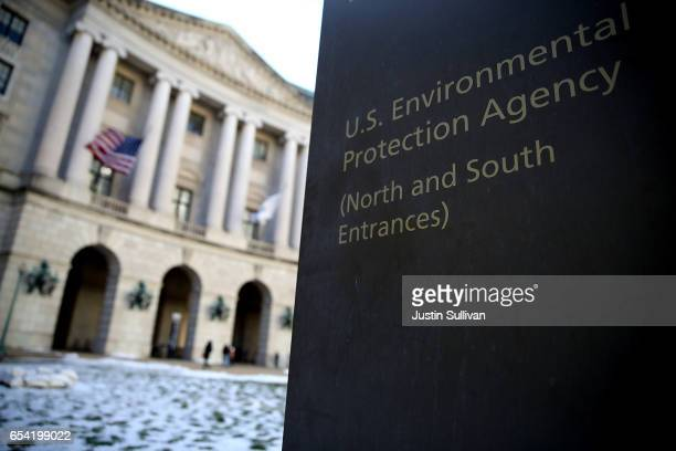 A view of the US Environmental Protection Agency headquarters on March 16 2017 in Washington DC US President Donald Trump's proposed budget for 2018...