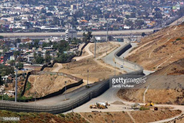 A view of the USMexico border during a visit by California Gov Arnold Schwarzenegger August 18 2010 in San Ysidro California US President Barack...