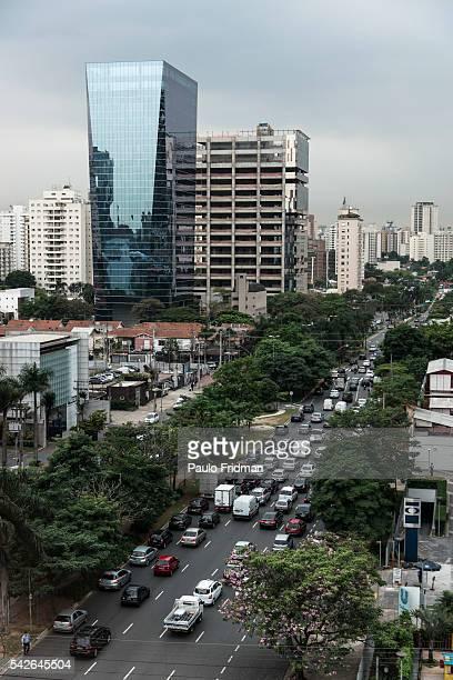 A view of the Vila Nova Conceição and Ibirapuera neighborhoods standing from a building located on Avenida Faria Lima