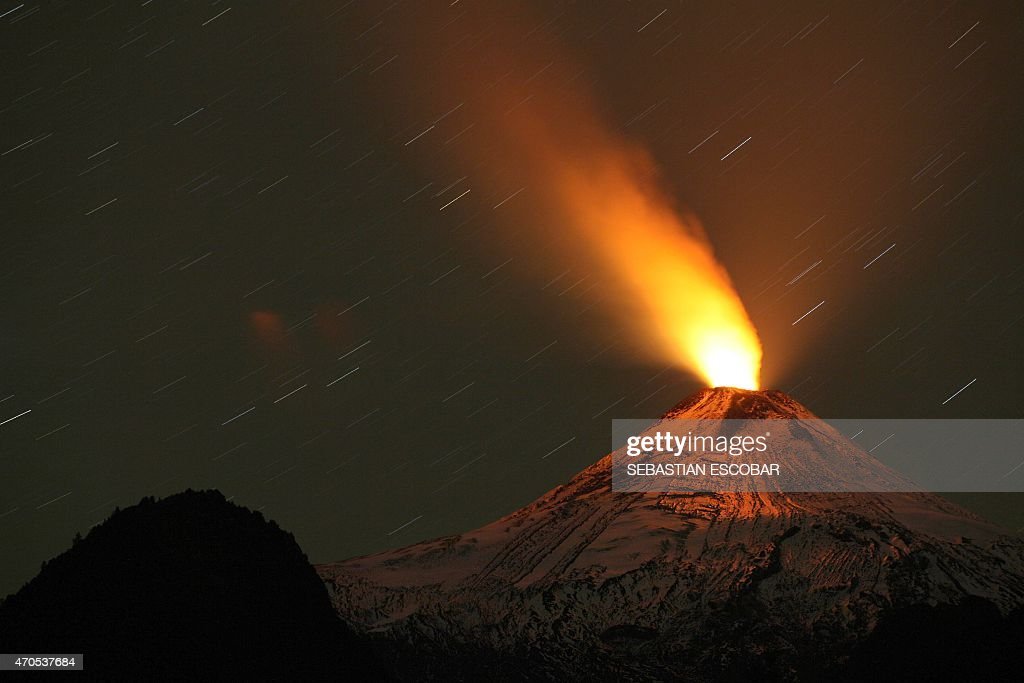 CHILE-VOLCANO-VILLARRICA : News Photo