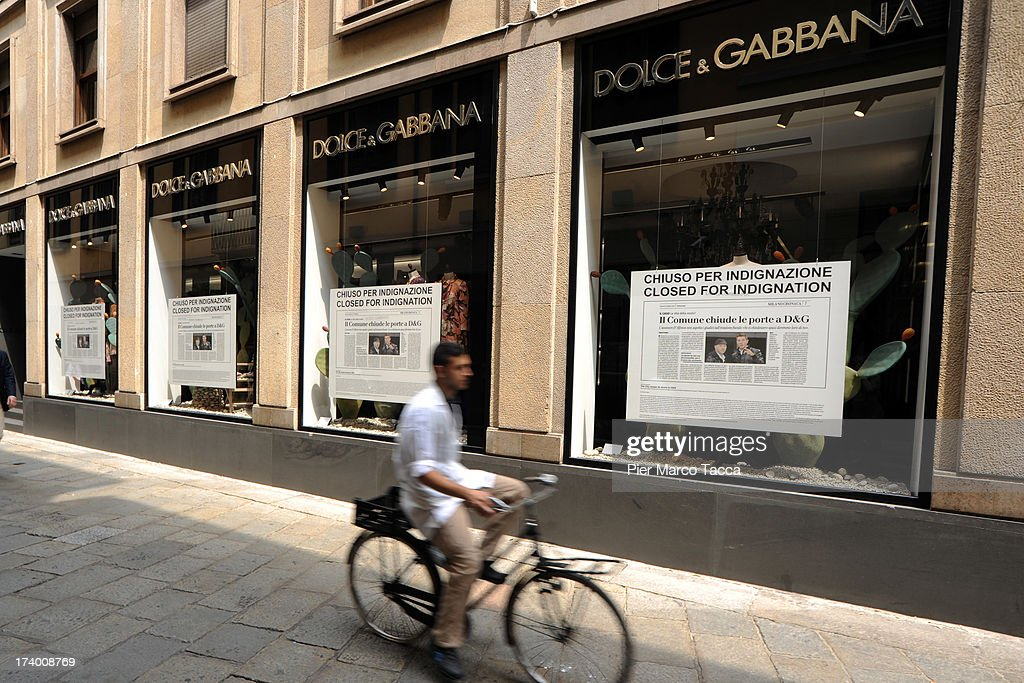 Dolce   Gabbana Close Their Milan Stores In Protest Against Local  Councillor   News Photo fad514900e010
