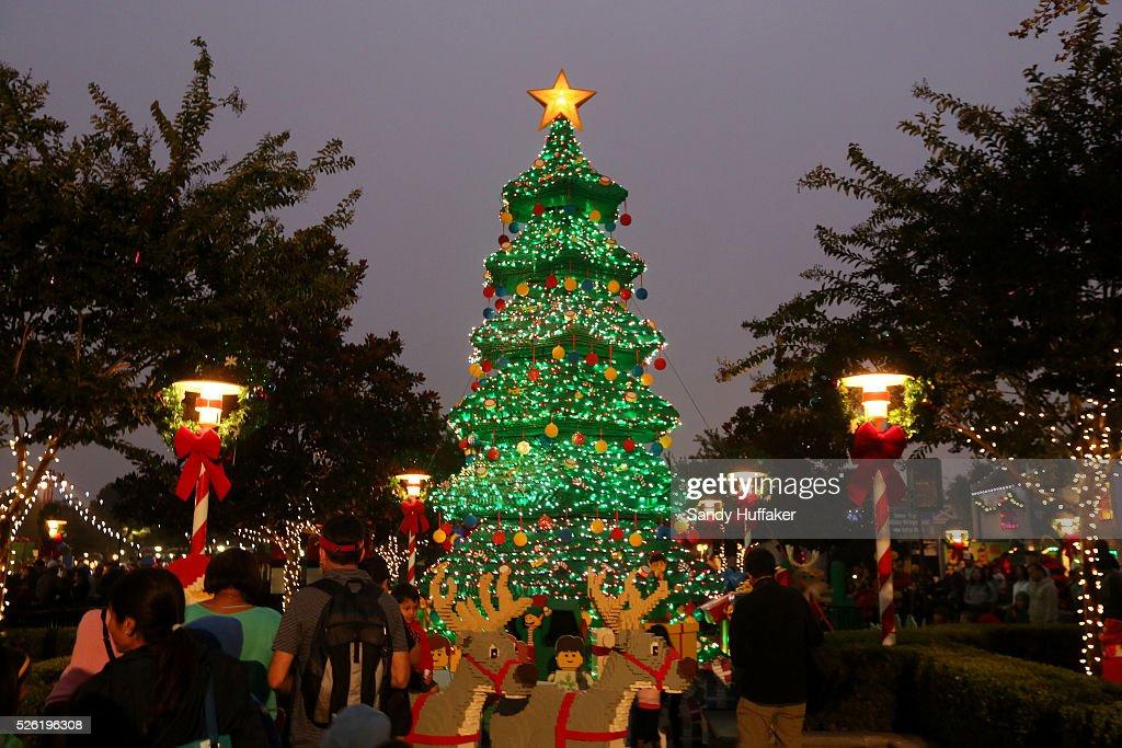 usa holidays legoland celebrates christmas holidays news photo - Worlds Largest Christmas Tree