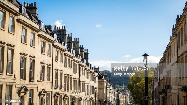 view of traditional georgian houses in bath england - リージェンシー様式 ストックフォトと画像