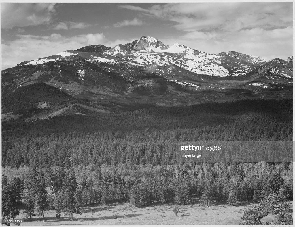 Long's Peak , Rocky Mountain National Park : News Photo