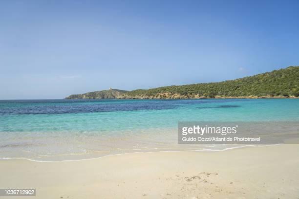 view of tuerredda beach - cerdeña fotografías e imágenes de stock