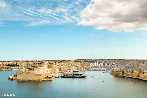 view of valletta coastline - valletta stock pictures, royalty-free photos & images
