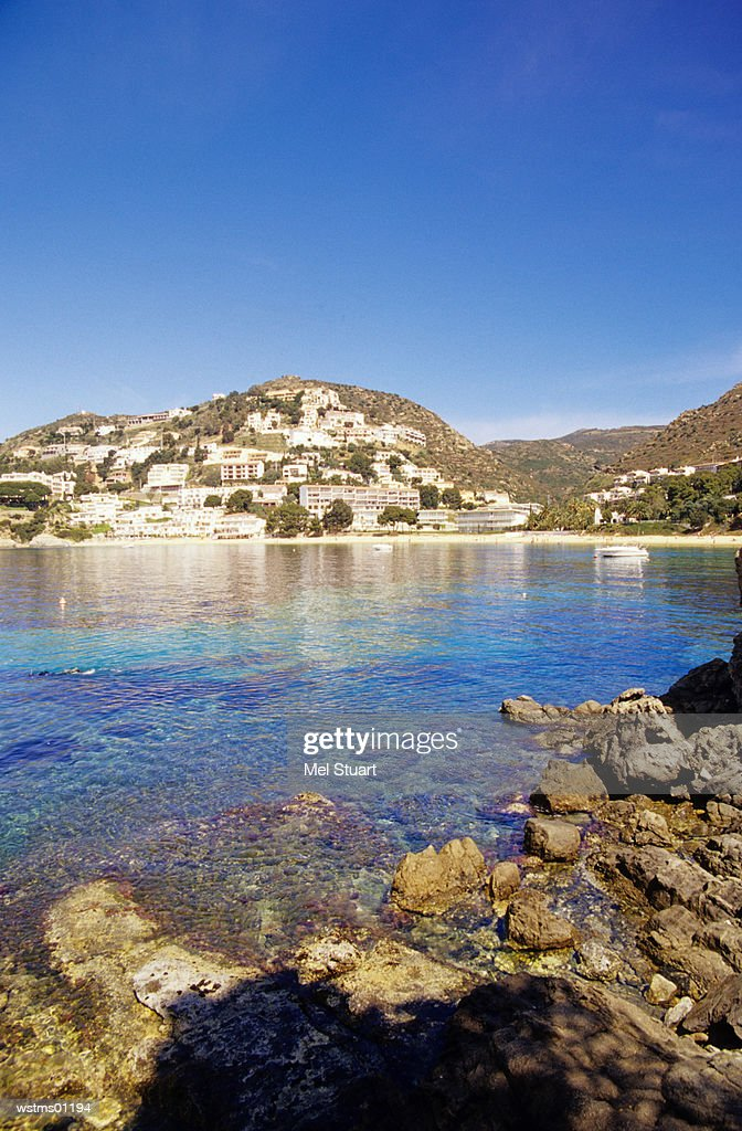 View of village of Canyelles Petites, Bay of Canyelles, Costa Brava, Catalonia, Spain : ストックフォト