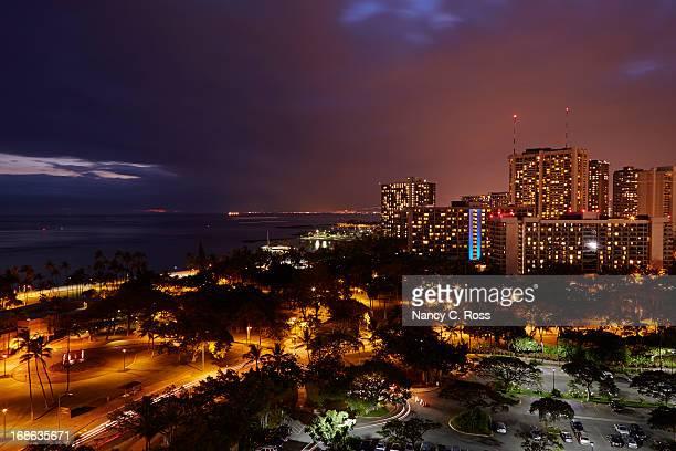 ワイキキビーチの眺め、fort derussy 博物館 - ワイキキビーチ ストックフォトと画像