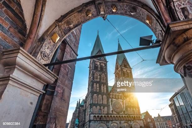 view on  bremen cathedral in the morning sun - unesco world heritage site stock pictures, royalty-free photos & images