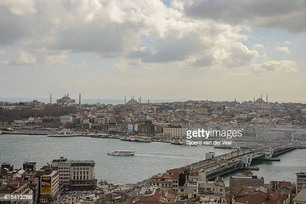 """view on golden horn and galata bridge in istanbul - """"sjoerd van der wal"""" stock pictures, royalty-free photos & images"""