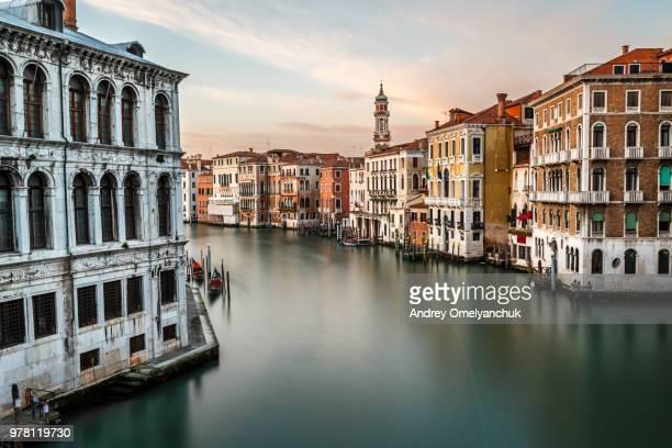 view on grand canal, venice, italy - venecia fotografías e imágenes de stock
