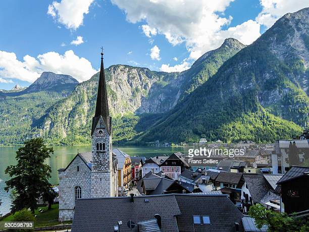 view on hallstatt, at hallstätter lake - frans sellies stock pictures, royalty-free photos & images