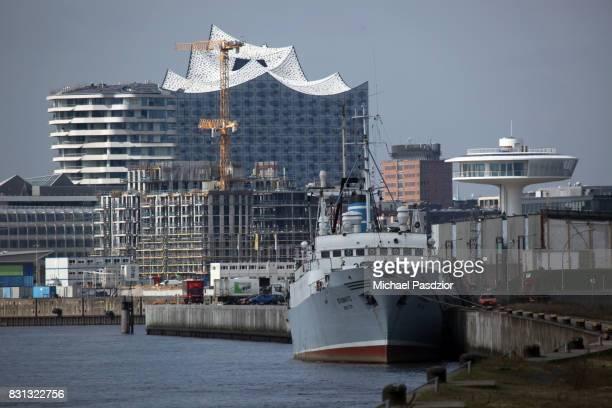 View on Harbour City with Elbphilharmonie