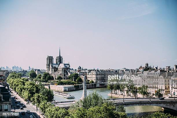 view on ile de la cite, paris - paris island stock photos and pictures