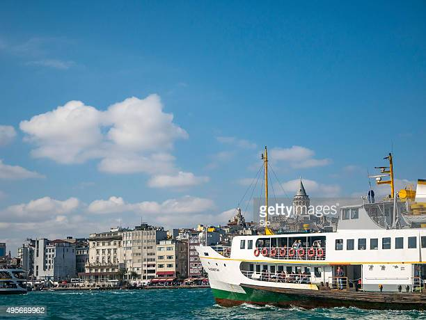 """view on istanbul seen from the bosphorus with ferries - """"sjoerd van der wal"""" or """"sjo"""" stock pictures, royalty-free photos & images"""