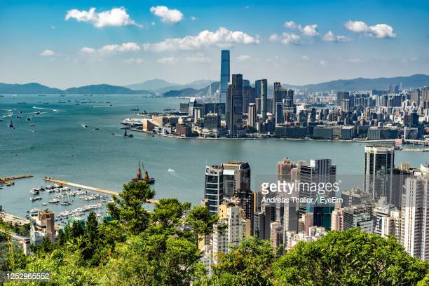 view on kowloon in hong kong - kowloon stock pictures, royalty-free photos & images