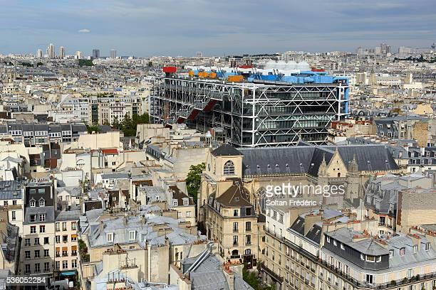 view on paris from the tour saint-jacques - centre georges pompidou stock-fotos und bilder