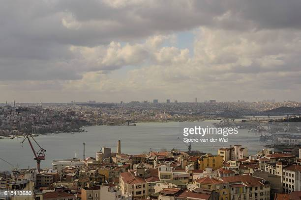 "view on the golden horn in istanbul - ""sjoerd van der wal"" stock-fotos und bilder"