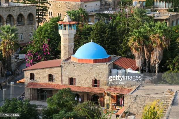 view on the old mosque of byblos, lebanon - frans sellies stockfoto's en -beelden
