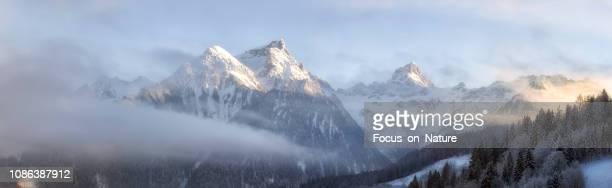 ブラントナ一タール、オーストリアで表示します。 - フォアアールベルク州 ストックフォトと画像