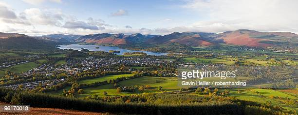 view over keswick and derwent water from the skiddaw range, lake district national park, cumbria, england, united kingdom, europe - gavin hellier stock pictures, royalty-free photos & images