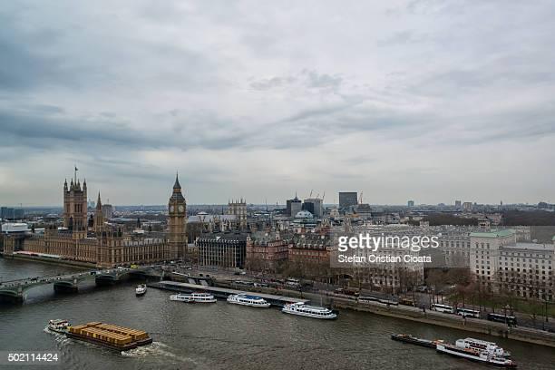 view over london - ウェストミンスター寺院 ストックフォトと画像