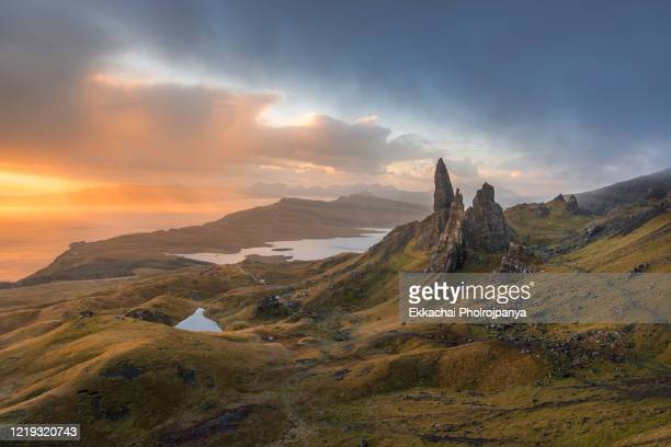 view over old man of storr, isle of skye, scotland - rock formation stock pictures, royalty-free photos & images