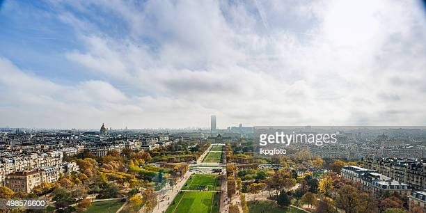 view over paris from the eiffel tower - ile de france stock pictures, royalty-free photos & images