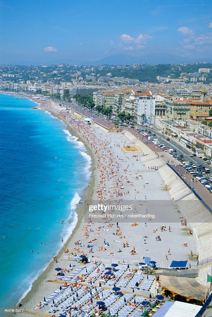 View over the beach and Nice, Cote d'Azur, Alpes-Maritimes, Provence, France, Europe : Stockfoto