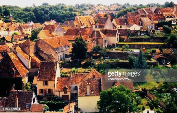 utsikt över byn bourgogne frankrike resor franska hus stugor - côte d'or bildbanksfoton och bilder